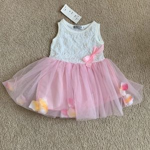 Other - NWT pink/white rose petal dress 4T